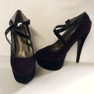 Qupid Women's Size 6.5 Faux Suede High Heel Shoes